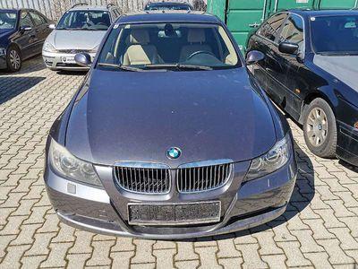 gebraucht BMW 318 3er-Reihe (E90) Österreich-Paket