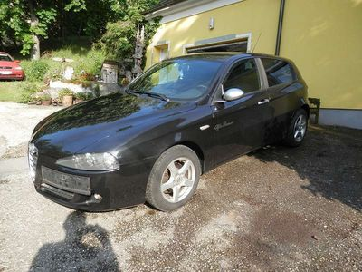 used Alfa Romeo 147 1,9 JTDM Limousine,