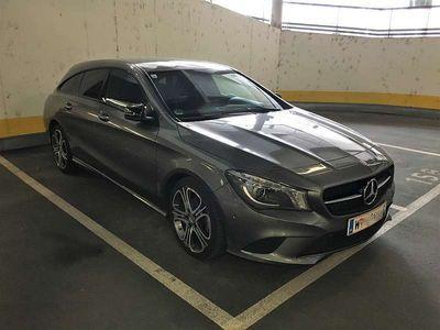 gebraucht Mercedes CLA180 Shooting Brake CLA-Klasse Urban Kombi / Family Van,