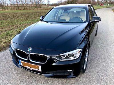 gebraucht BMW 320 **Nur 29000km**Autom.3er-Reihe Diesel (F30)