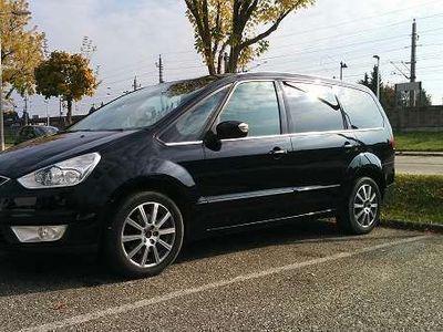 1 4 Gebraucht Ford Galaxy 22 TDCI Ghia Kombi Family Van