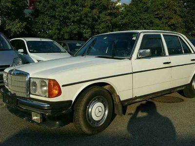 gebraucht Mercedes E200 E-Klasse Type 123 ,Automatik Limousine