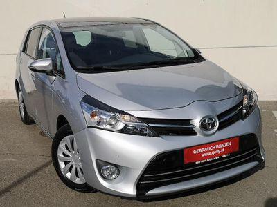 gebraucht Toyota Verso 1,6 D-4D Active Kombi / Family Van,