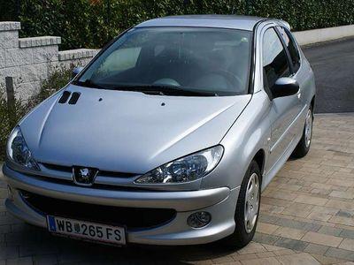 gebraucht Peugeot 206 Quiksilver 2,0 HDI 90 Klein-/ Kompaktwagen