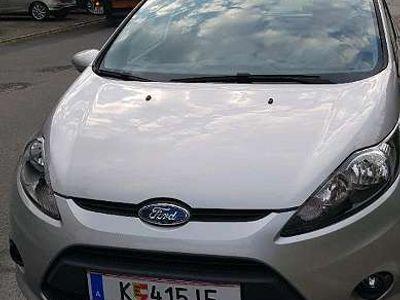 gebraucht Ford Fiesta 1,25 Trend Klein-/ Kompaktwagen