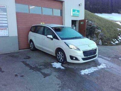 gebraucht Peugeot 5008 1,6 e-HDi 115 FAP Allure Finanzierung möglich