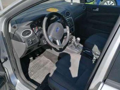 gebraucht Ford Focus Traveller Trend 1,6 TDCi