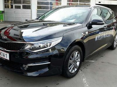 gebraucht Kia Optima Wagon 1,7 CRDi ISG Silber Kombi / Family Van