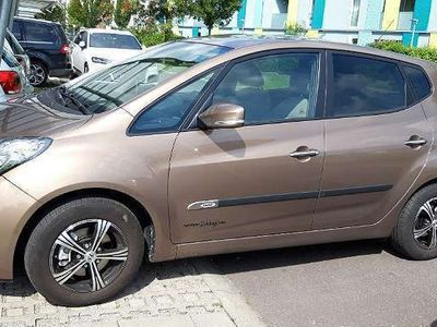 gebraucht Hyundai ix20 1,4 CRDi Comfort Kombi / Family Van,