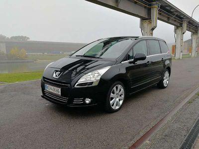 gebraucht Peugeot 5008 1.6HDi ASG 6 Getriebe Exclusive Kombi / Family Van