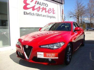 used Alfa Romeo Giulia Super 2,2 180 AT RWD Limousine,
