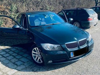 gebraucht BMW 325 3er-Reihe (E90) Aut.