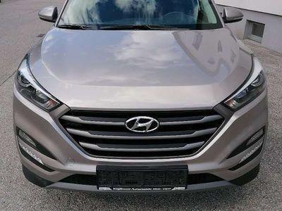 gebraucht Hyundai Tucson Edition 25 1,6 GDI SUV / Geländewagen