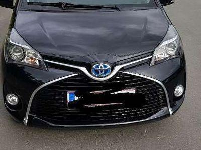gebraucht Toyota Yaris 1,5 VVT-i Hybrid Edition45 Limousine