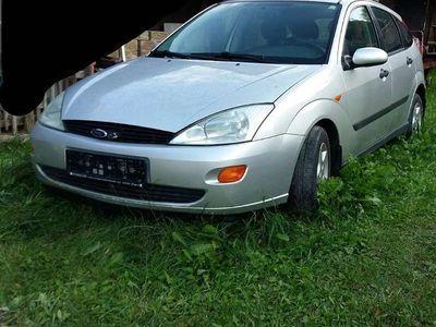 gebraucht Ford Focus 1,8 Tddi Klein-/ Kompaktwagen