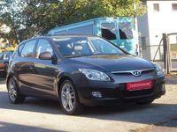 gebraucht Hyundai i30 1,6 CRDi Style Pickerl+Service-NEU Leder Navi AHK