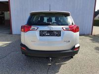 gebraucht Toyota RAV4 2,2 D-4D Elegance 4WD SUV / Geländewagen