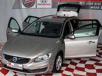gebraucht Volvo V60 D2 Momentum Kombi / Family Van