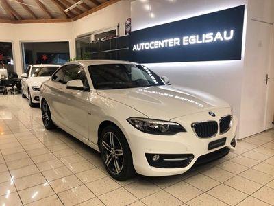 gebraucht BMW 218 2er i Sport Line