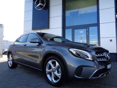 gebraucht Mercedes GLA220 Urban 4Matic 7G-DCT