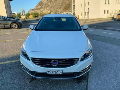 gebraucht Volvo V60 2.4 D4 Momentum AWD