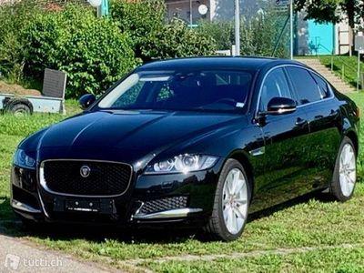 gebraucht Jaguar XF 20d Portfolio Limousine 8-Gang-Aut. 2017