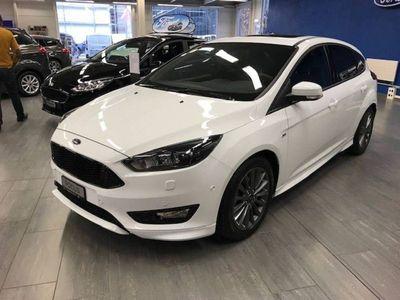 gebraucht Ford Focus 1.5 SCTi ST Line