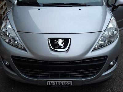 gebraucht Peugeot 207 1.4i 16V (26.10.2011)