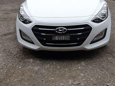 gebraucht Hyundai i30 1.6 CRDi Origo DCT