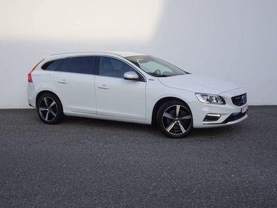 gebraucht Volvo V60 2.4 D6 TE Mom. R-Design Pl.Hy.