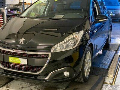 gebraucht Peugeot 208 208 1.2 PureTech GT Line EAT61.2 PureTech GT Line EAT6