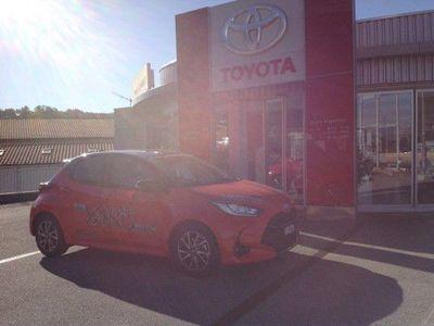 gebraucht Toyota Yaris 1.5 Premiere Edition e-Cvt