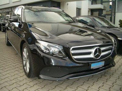 gebraucht Mercedes E220 E-KlasseAvantgarde 4Matic 9G-Tronic