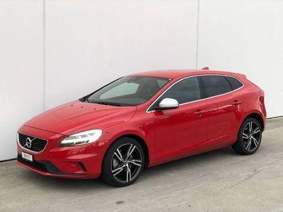 gebraucht Volvo V40 1.5 T2 Momentum R-Design S/S