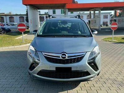 gebraucht Opel Zafira Tourer Zafira Tourer 1.6i 16V Turbo Cosmo Automatic(Kompaktva) 1.6i 16V Turbo Cosmo Automatic(Kompaktva)
