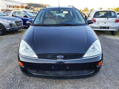 gebraucht Ford Focus 1.6i 16V Ghia
