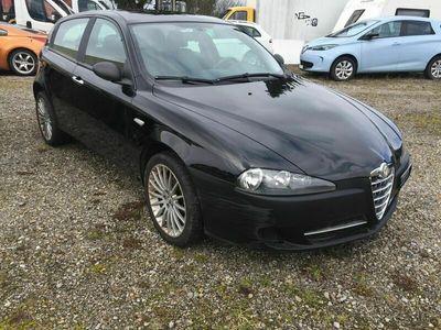 gebraucht Alfa Romeo 147 147 1.9 16V JTD Distinctive1.9 16V JTD Distinctive