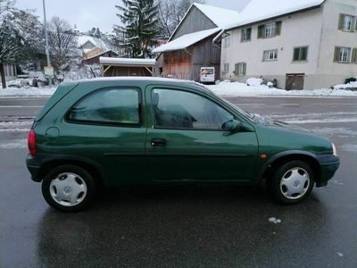 gebraucht Opel Corsa Corsa Oplelmet. grün 16V / 1.2l Servicegepflegt