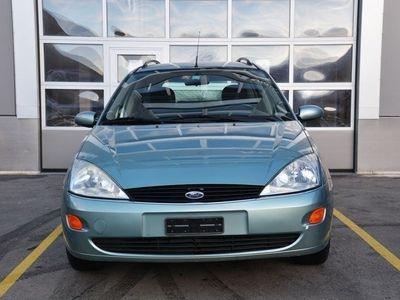 gebraucht Ford Focus 2.0i 16V Ghia