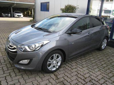 gebraucht Hyundai i30 1.6 GDI exxtra