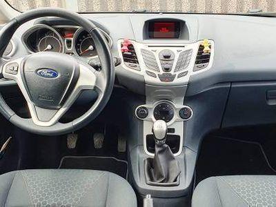 gebraucht Ford Fiesta 2010 1.4 benzin