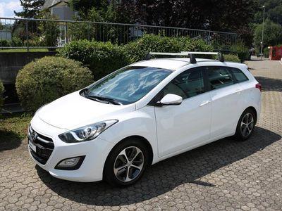 gebraucht Hyundai i30 Wagon 1.6 CRDi Plena