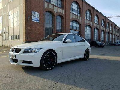 gebraucht BMW 330 3er e90 330i Limousine *M-Paket 3er e90 i Limousine *M-Paket