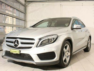 gebraucht Mercedes GLA200 GLA-Klassed AMG Line 4m
