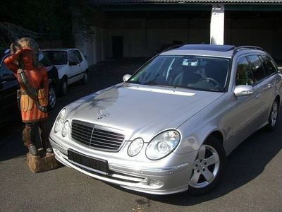 gebraucht Mercedes E240 Avantgarde BI-XENON COMAND PDC eSHGD