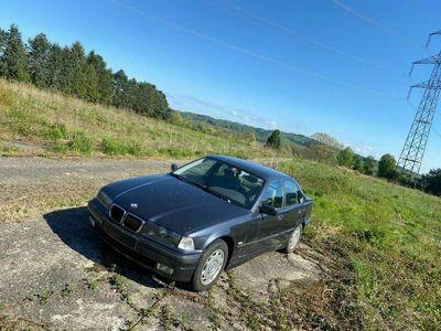 gebraucht BMW 323 3er i E36 1997 Klima Automatik MFK