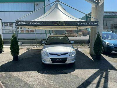 gebraucht Hyundai i30 2.0 Premium