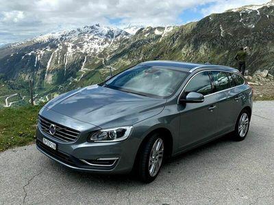 gebraucht Volvo V60 D4 Summum Geartronic