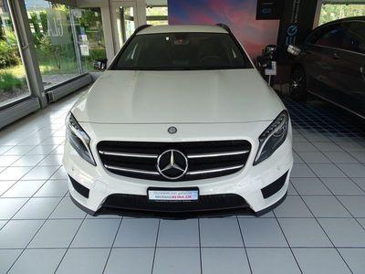gebraucht Mercedes GLA250 AMG Line