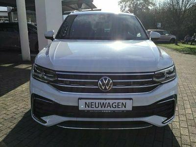 gebraucht VW Tiguan R-LINE 2.0TDI DSG ACC NAVI AHK LED DAB+ S